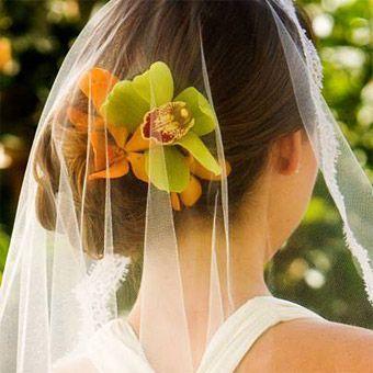 модные свадебные прически 2012