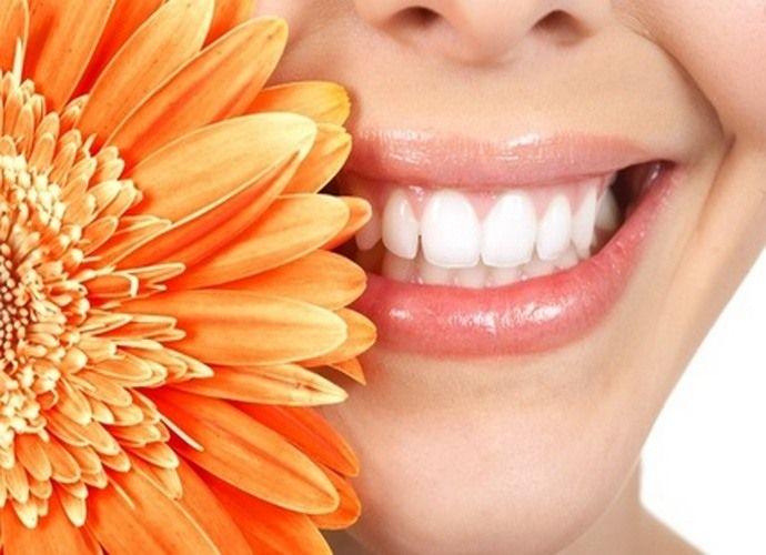 искусственные зубы и ваша улыбка неотразима