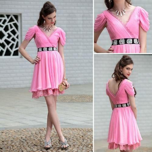 летние платья и розовый цвет снова в моде