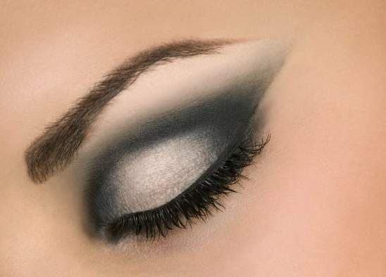 Как красить глаза тенями,