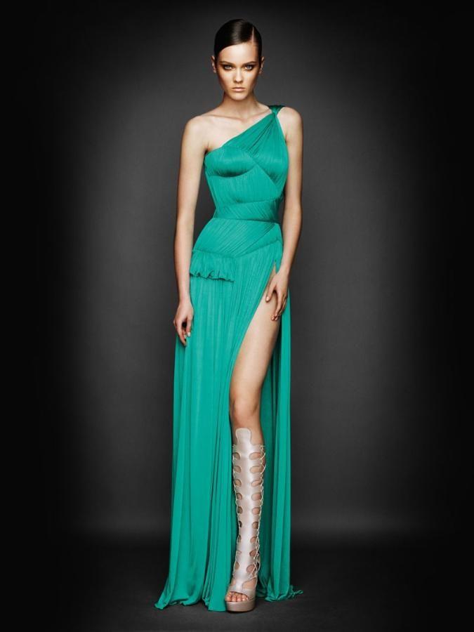 платья с разрезом для новогодних вечеров