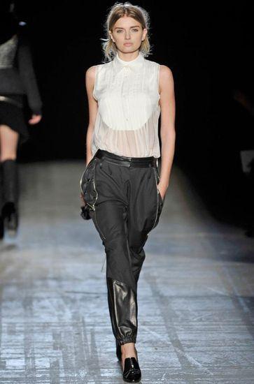 блузки-манишки на модном показе