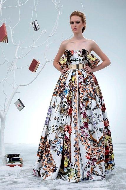 хаотичные узоры на модном платье