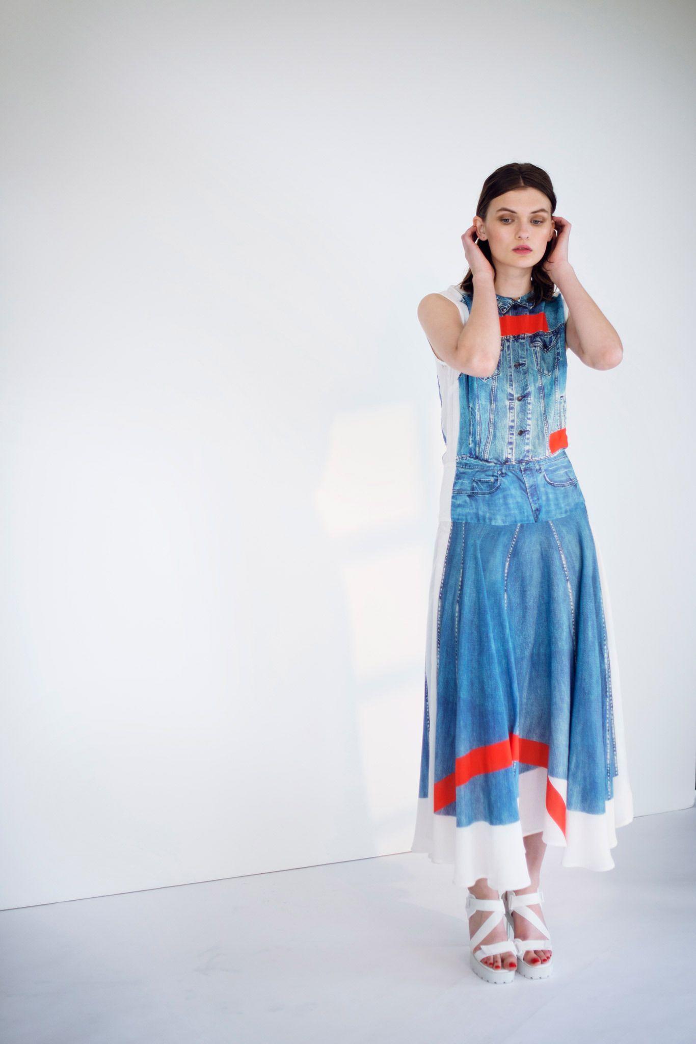 Джинсовая одежда от модных домов мира