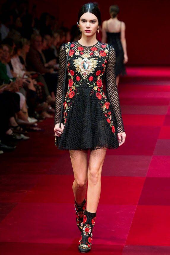 Короткое летнее платье от модного дома Дольче Габбана