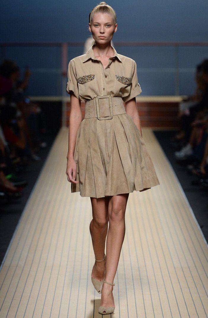 Модные платья с воротниками