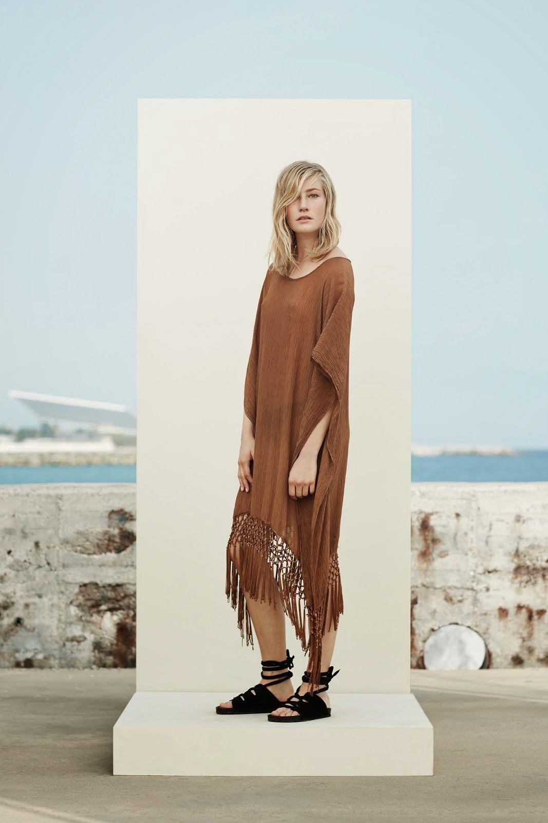 Стильное платье в коричневых тонах