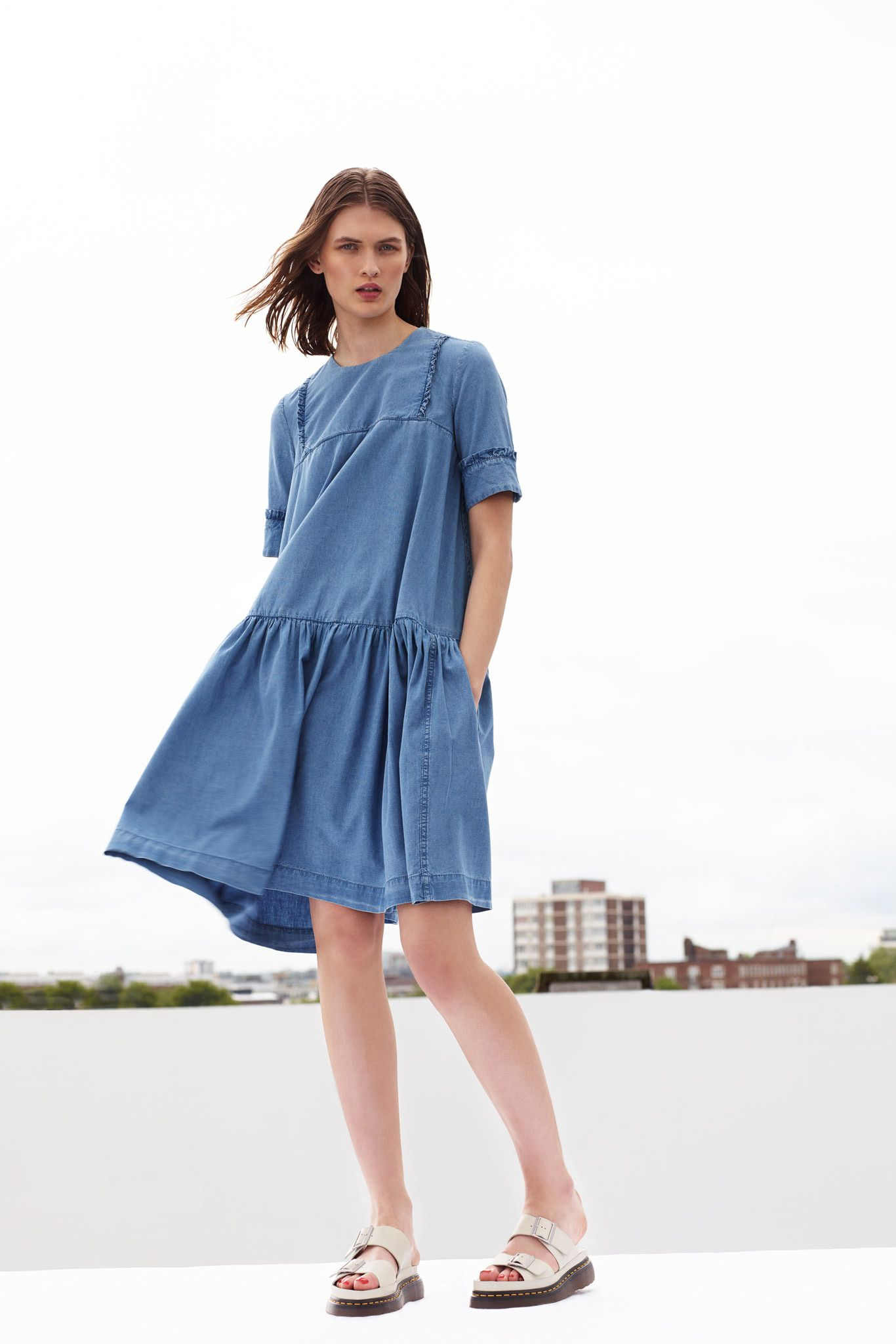 Стильные джинсовые платья для девушек