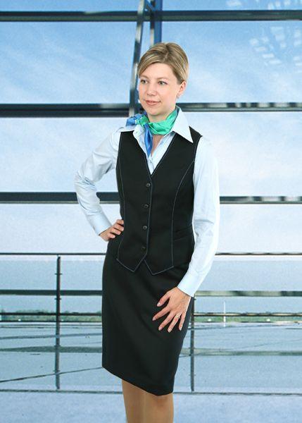 Офисная одежда дополненная стильным платком