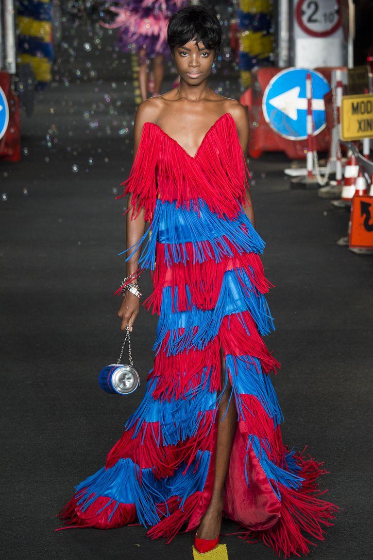Бахрома в модном вечернем платье