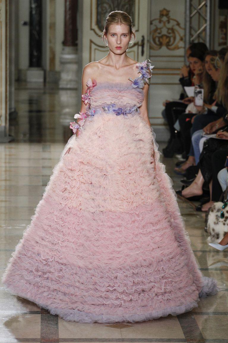 Luisa Beccaria и его вечерние платья