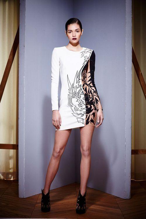 Стильно и модно короткие платья удивляют