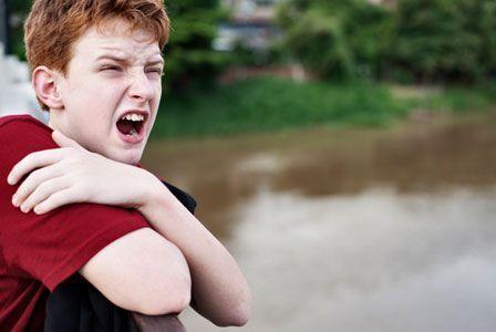 Подростковый кризис: что прячет за собой раздражительность и агрессия у подростков