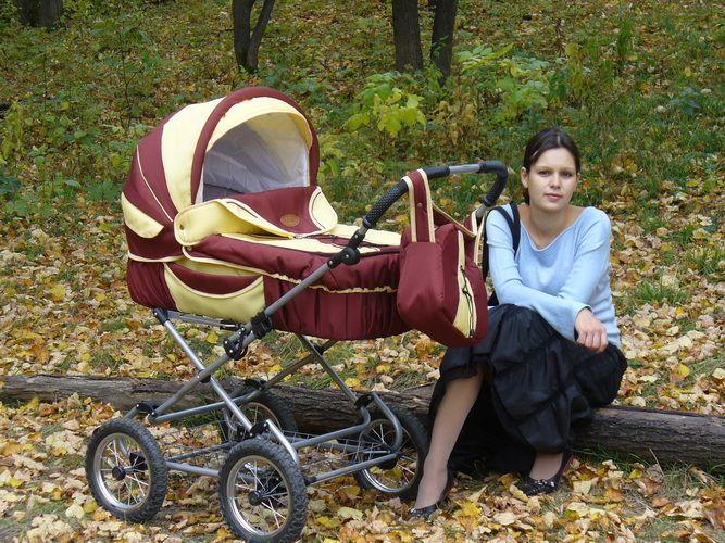 классическая коляска для малыша