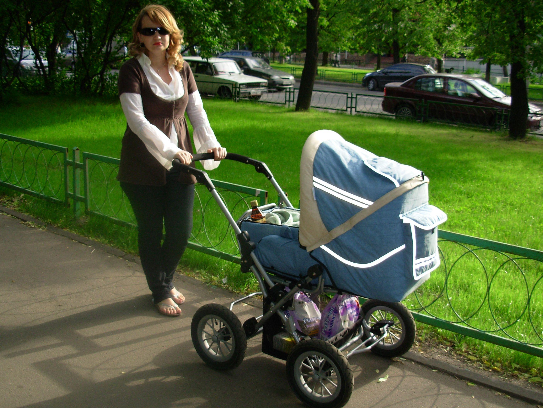 коляска-трансформер для ребенка