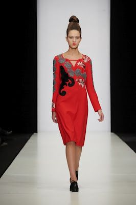 яркие летние платья 2013