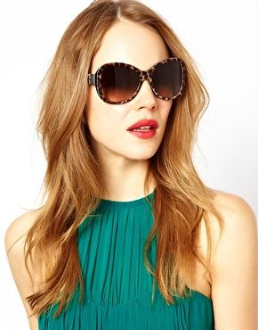 отличные очки с модной оправой