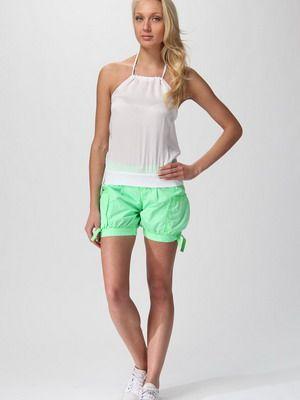 спортивная модель женских шорт