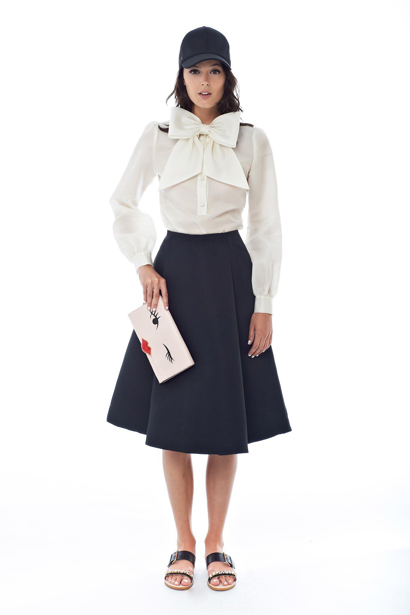 Блуза с большим бантом спереди