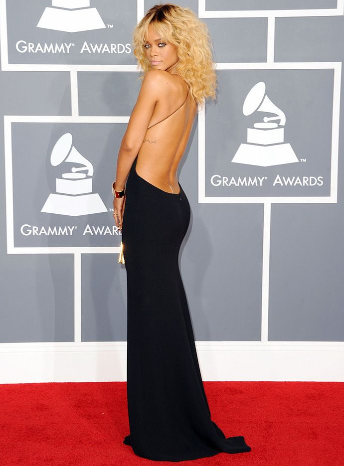 Сексуальное платье с вырезом на спине