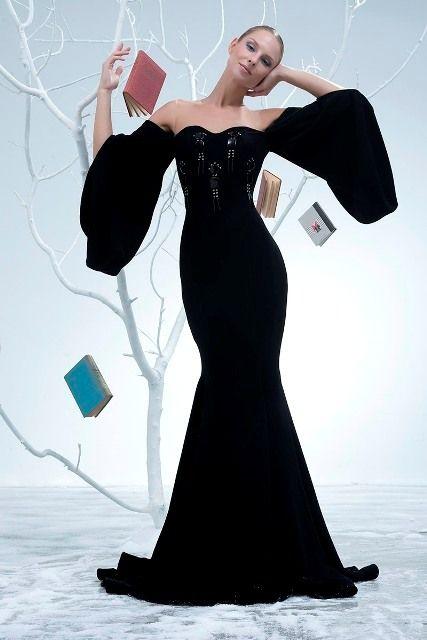 черное платье мода не уступает позиции