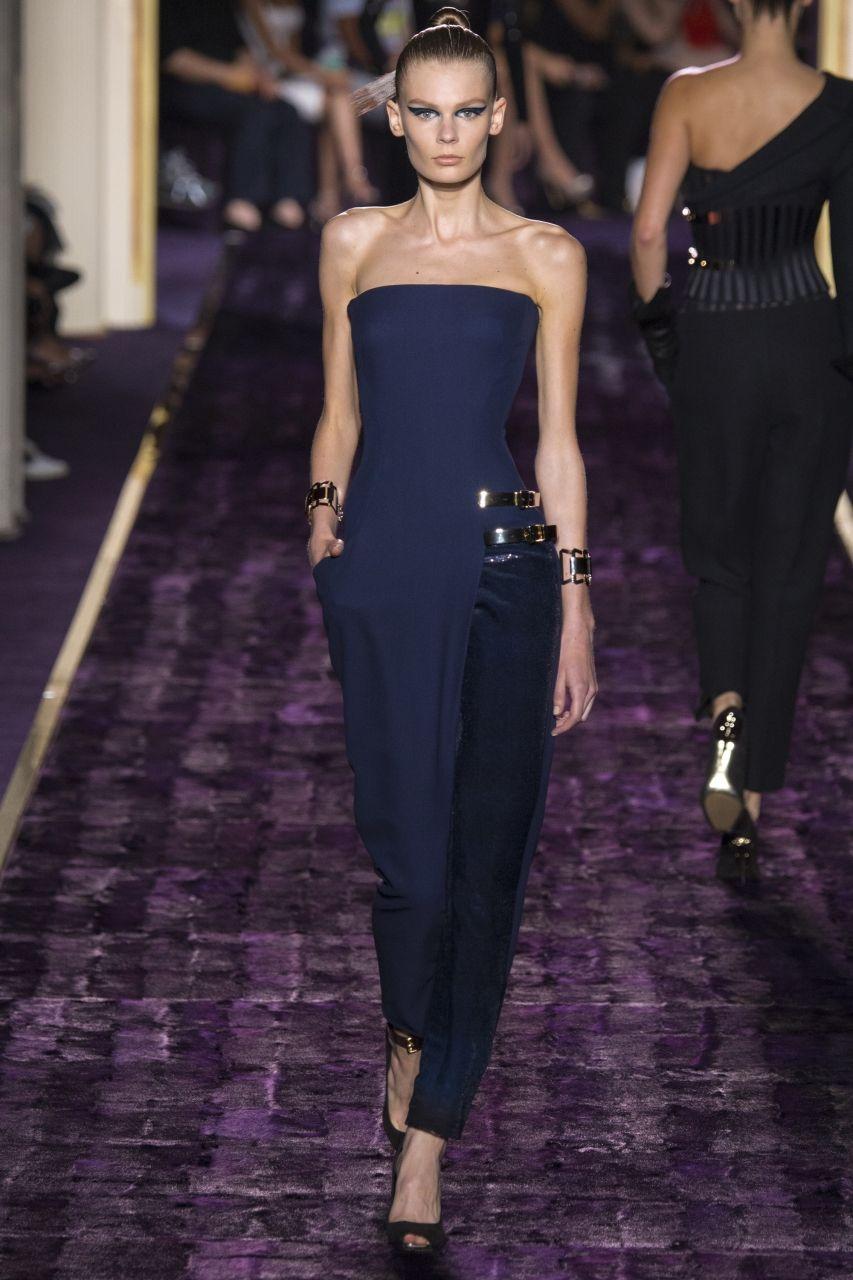 модное вечернее платье от Версаче