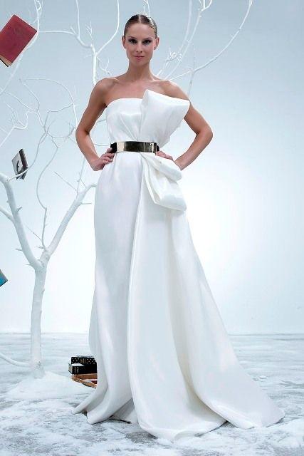 снежно-белое платье модное всегда