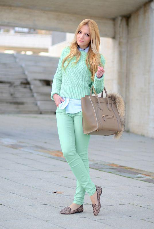 Креативность в образе и джинсы модного направления