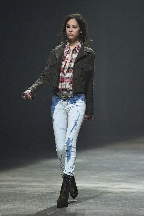 Модные укороченные джинсы