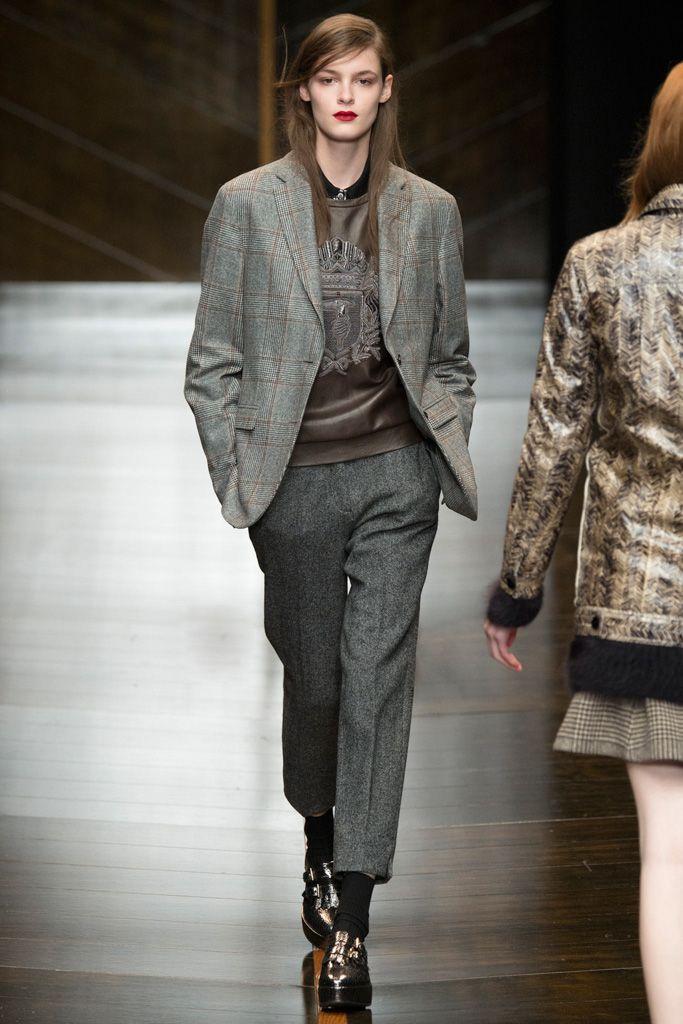 Веенее мужской моды в женских пиджаках