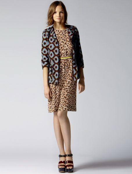 Платье для офисов с леопардовым принтом