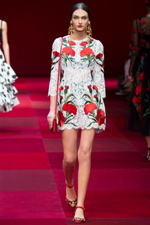 Платье от дольче габбана с крупными цветами
