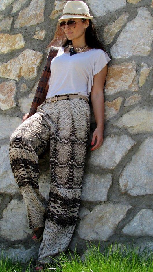 Стильные брюки палаццо для женщин