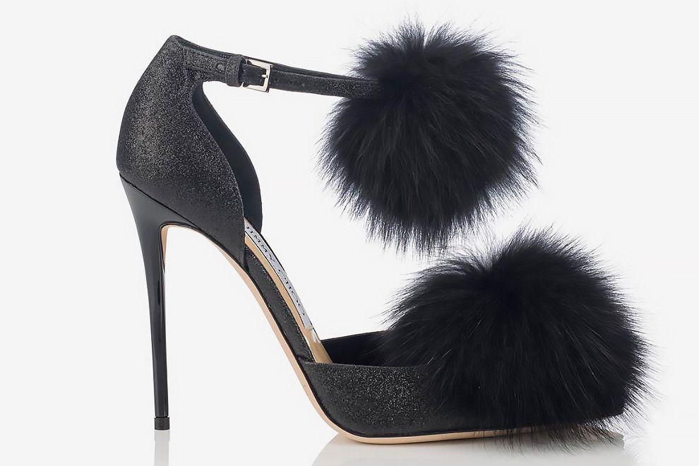 Туфли с меховыми помпонами встречай новый год модно