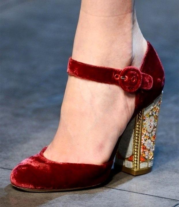 Туфли в новый год на небольшом каблучке