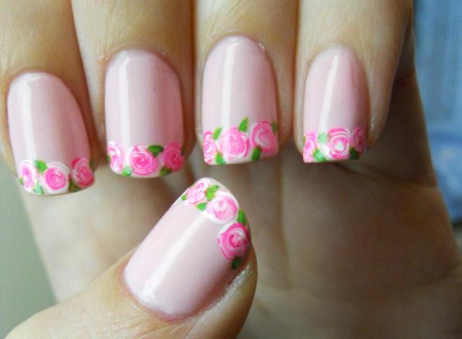 Дизайн ногтей в виде цветочного принта