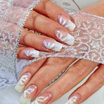 Просто и элегантно свадебный маникюр по фото