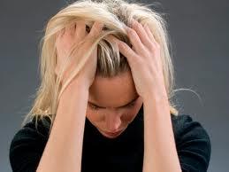 Перхоть в волосах — причины, лечение