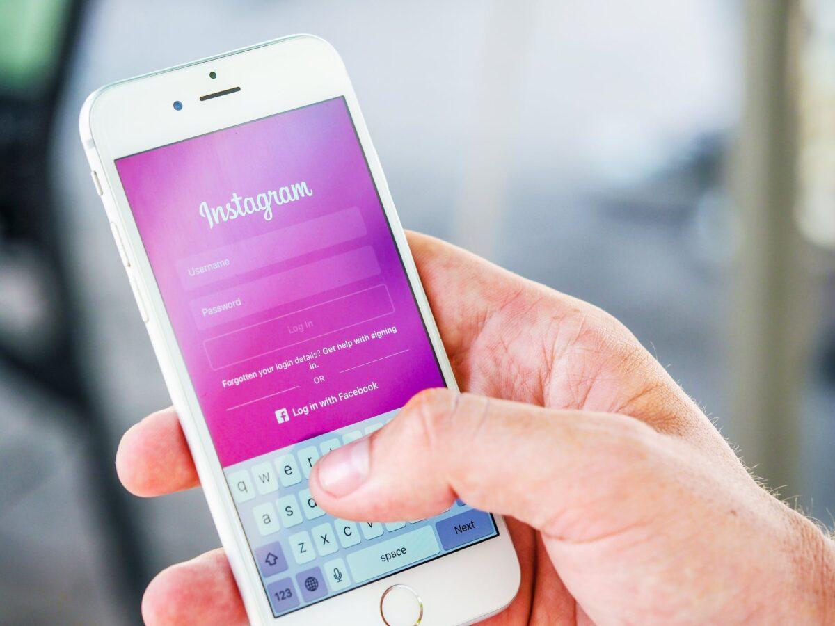 Покупка живых подписчиков в популярной социальной сети Инстаграм