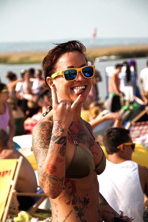 Женская татуировка: назначение и смысл
