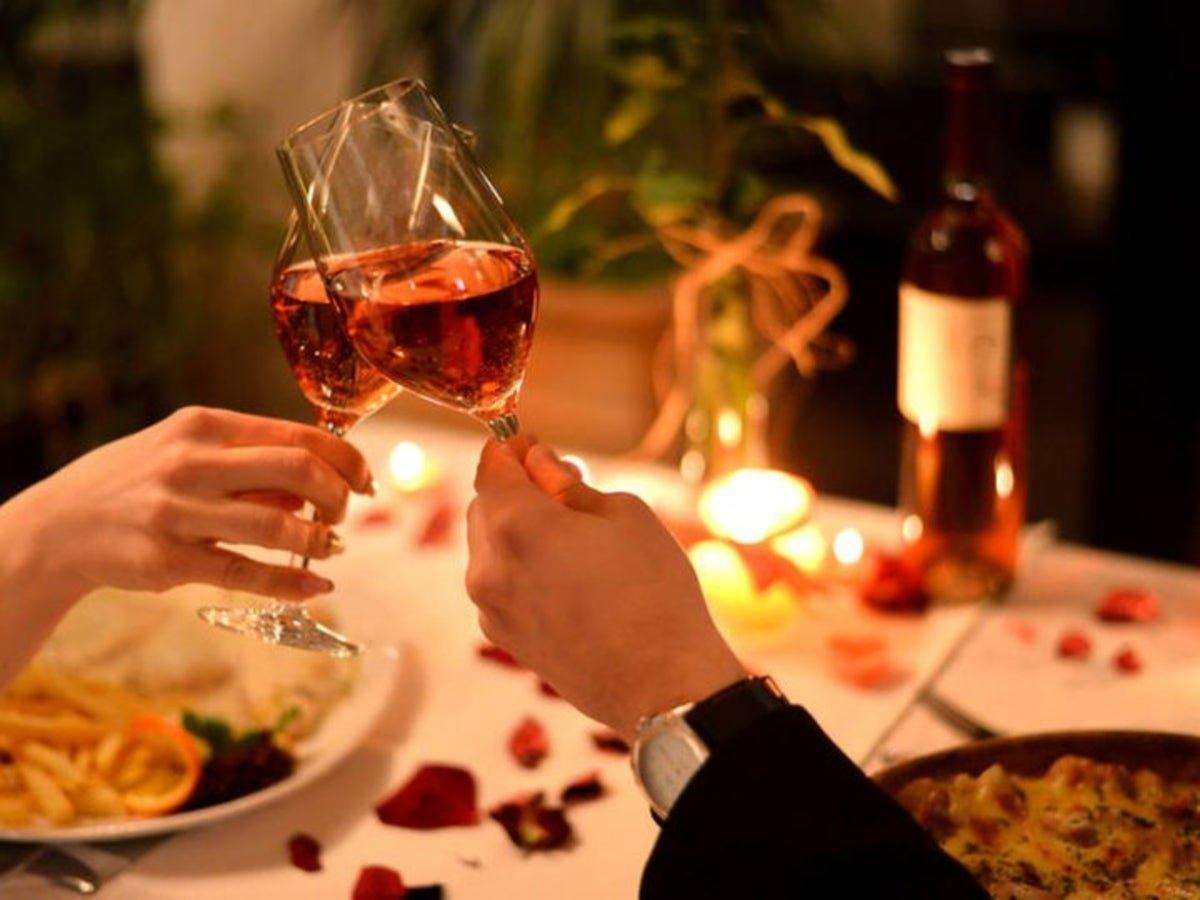 Как организовать праздник для жены?