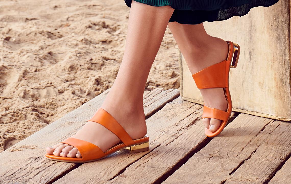 Лето 2021: основные тенденции женской обуви