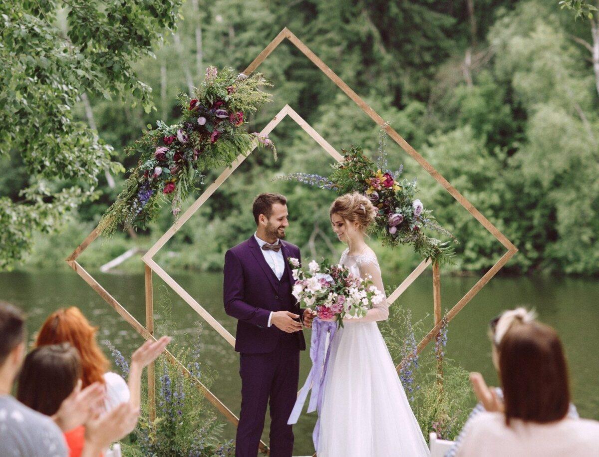 Свадебное агентство Ксении Мироновой о том, как организовать свадьбу на чистом воздухе